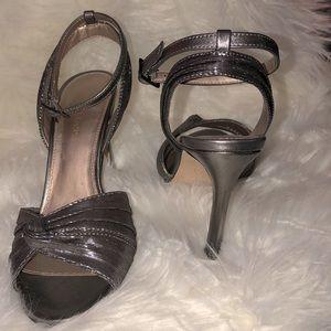 NWOT Pelle Moda Ankle Strap Gunmetal Sandal Heels